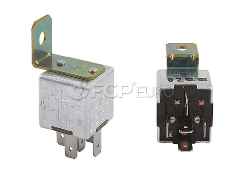Mercedes Blower Motor Relay - Genuine Mercedes 0008210247