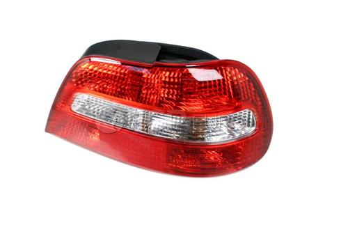 Volvo Tail Light Lens Right - Genuine Volvo 30621884