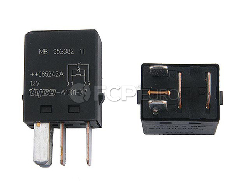Volvo Multi Purpose Relay (S40 V40) - Genuine Volvo 30870938