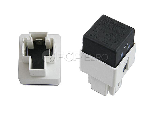 Volvo Multi Purpose Relay (S40 V40) - Genuine Volvo 30870939