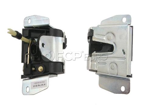 Mercedes Door Lock Vacuum Actuator - Genuine Mercedes 1637400235
