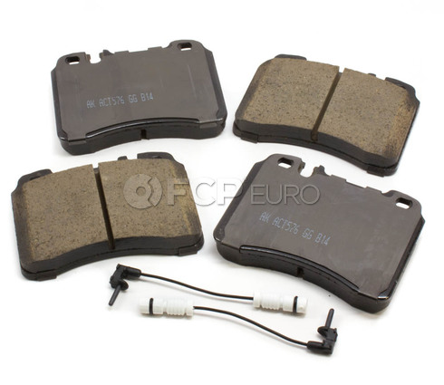 Mercedes Brake Pad Set Front (E-Class SL) - Akebono 005420022041
