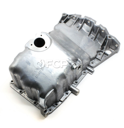 Audi Oil Pan (A4 A4 Quattro 1.8L) - Vaico 06B103601CD
