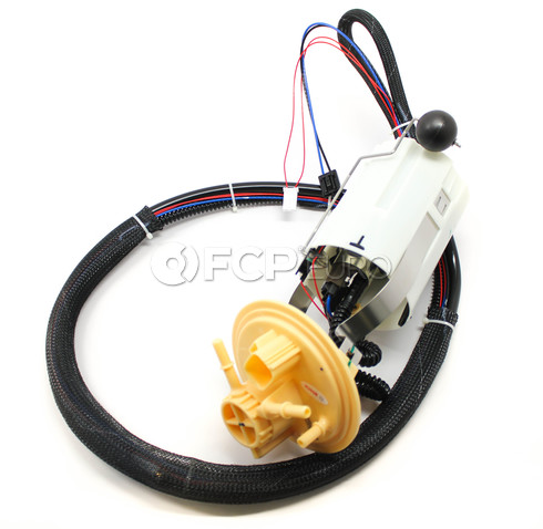 Volvo Fuel Pump Assembly (S80 V70 S60) - Bosch 30761743
