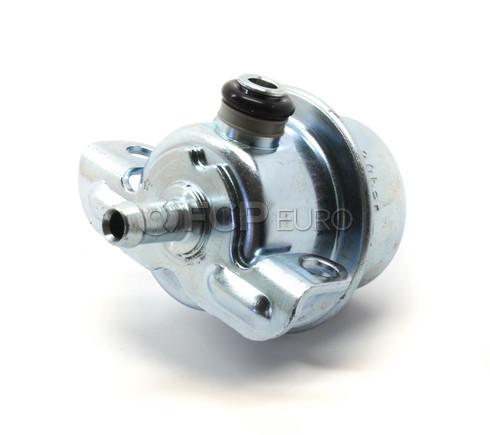 Volvo Fuel Pressure Regulator (240 245 740 760 940) - Bosch 3517064
