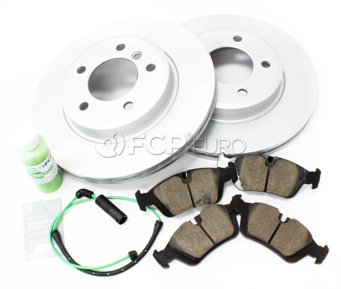 BMW Brake Kit Front (E46) - Meyle/Akebono 34116855152KTF5