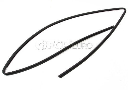 BMW Windshield Seal Upper (E46) - Genuine BMW 51318208468