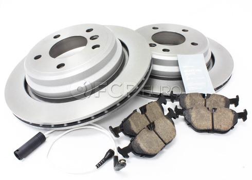 BMW Brake Kit - Meyle/Akebono 34216767060KT3