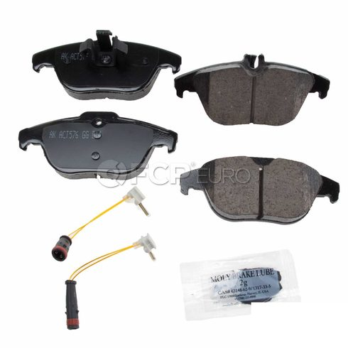 Mercedes Brake Pad Set (GLK350) - Akebono 0074206220