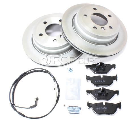 BMW Brake Kit - Meyle/Akebono 34216864901KTF1