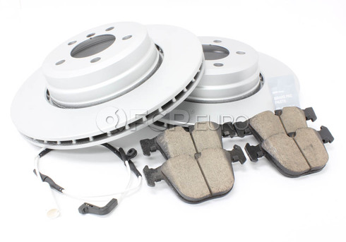 BMW Brake Kit - Meyle/Akebono 34216864054KTR1