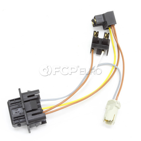 volvo headlamp wiring harness c70 s70 v70 genuine volvo 9438738 rh fcpeuro com wiring diagram for headlight switch wiring diagram for headlight socket