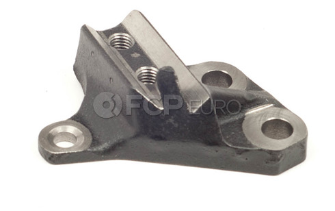 Volvo Mount Bracket Front Right (850) - Genuine Volvo 9135179