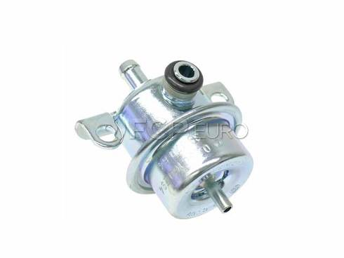 Volvo Fuel Injection Pressure Regulator (240 245 740 940) - Genuine Volvo 3517064