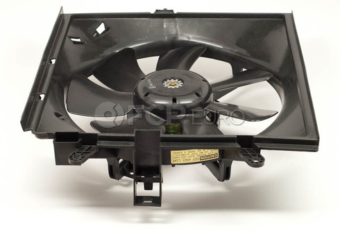 Volvo Cooling Fan Assembly Left (S40 V40) - Genuine Volvo 30864349