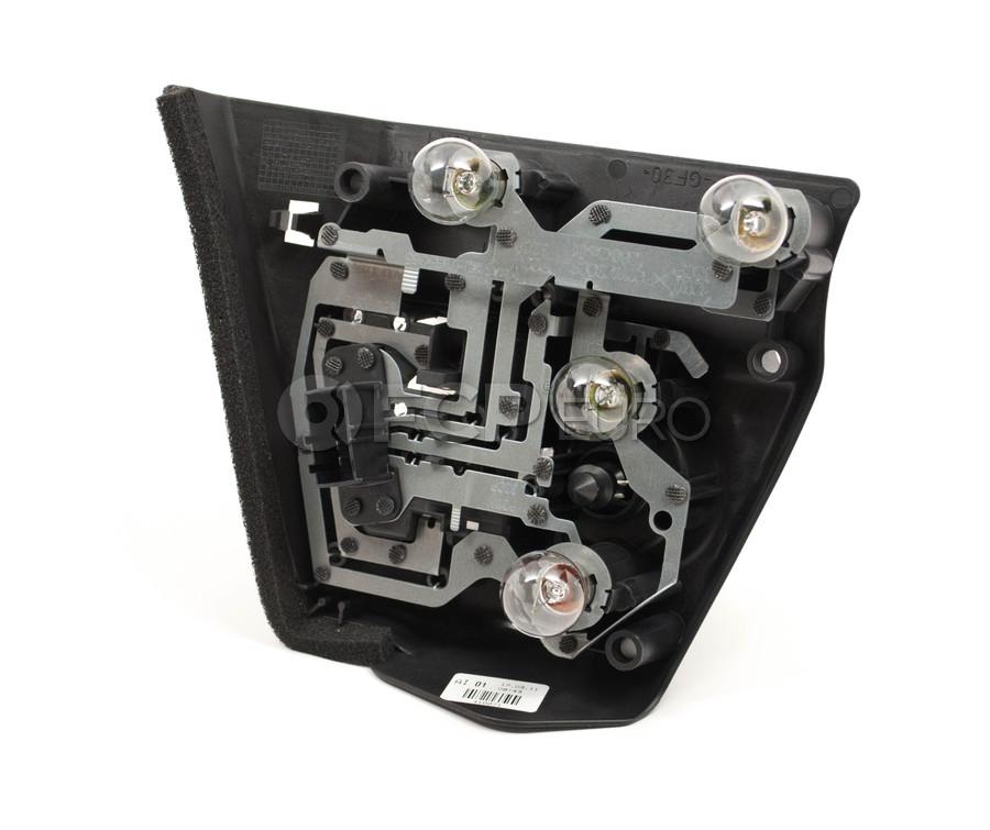 Bmw Xi Vs I: BMW Tail Light Bulb Holder Left (E46)
