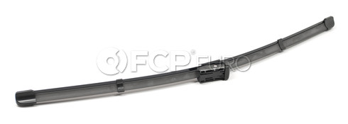 Volvo Windshield Wiper Blade Front Right - Valeo 900-20-8B